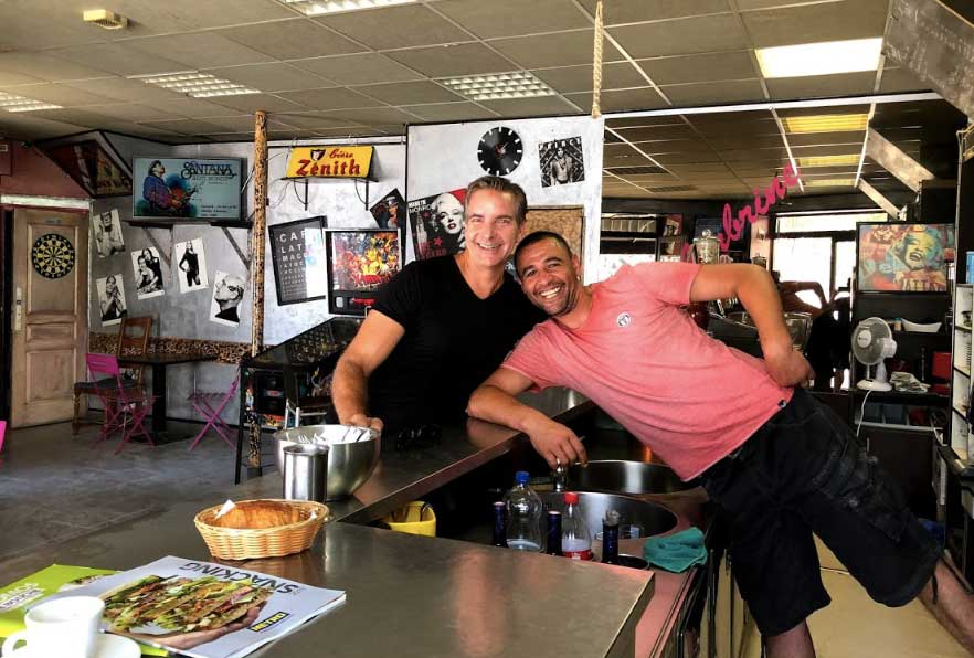 Easy travel speaking with a local French barista